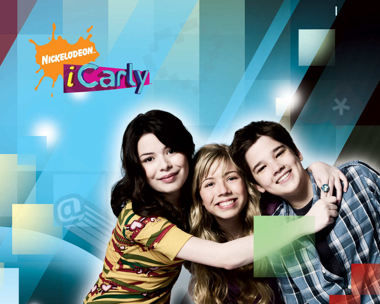 http://nicktown.at.ua/new_site/Miranda_Cosgrove_in_iCarly_Wallpaper_1_1280.jpg